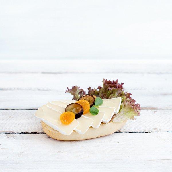 """Brötchen """"Thüringer Klassiker Camembert"""""""